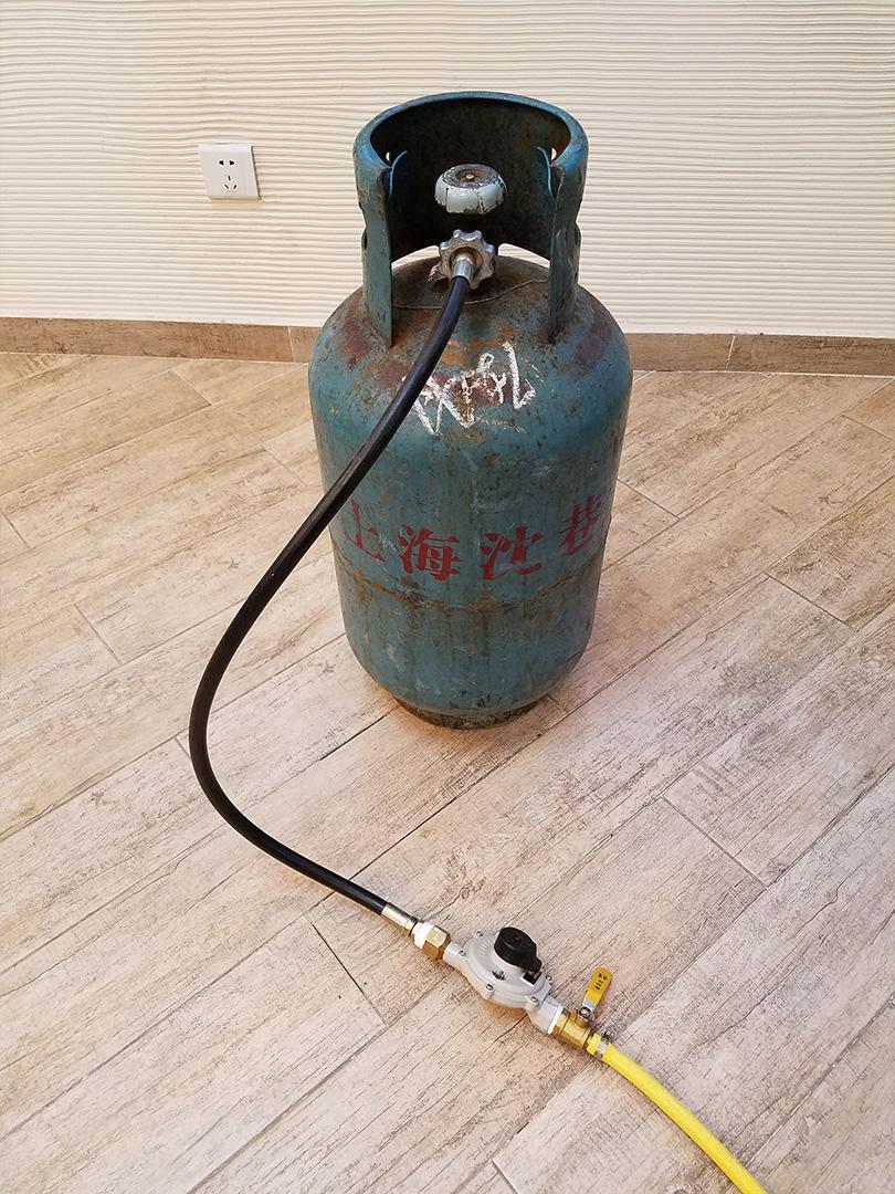 [步骤19] 接燃气罐 第二步骤安装结束 可以安全的使用DISCOVERY烘焙机
