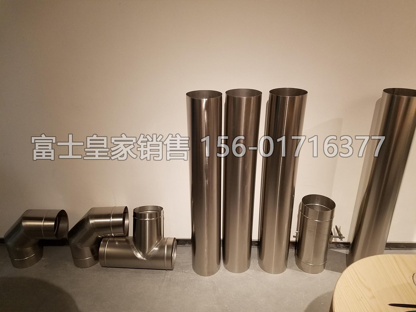 咖啡烘焙机的专用排烟管已经到客户店了。