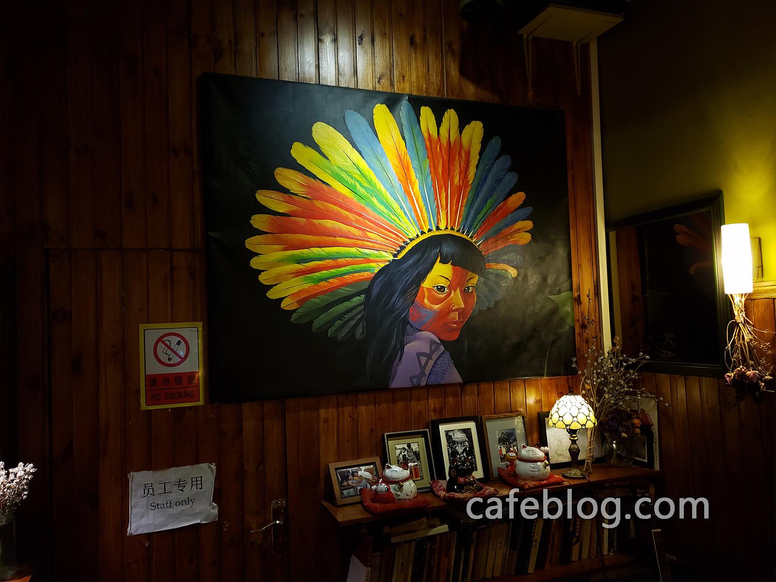 玛雅咖啡馆 Maya Cafe 墙上挂的照片特别有印象。