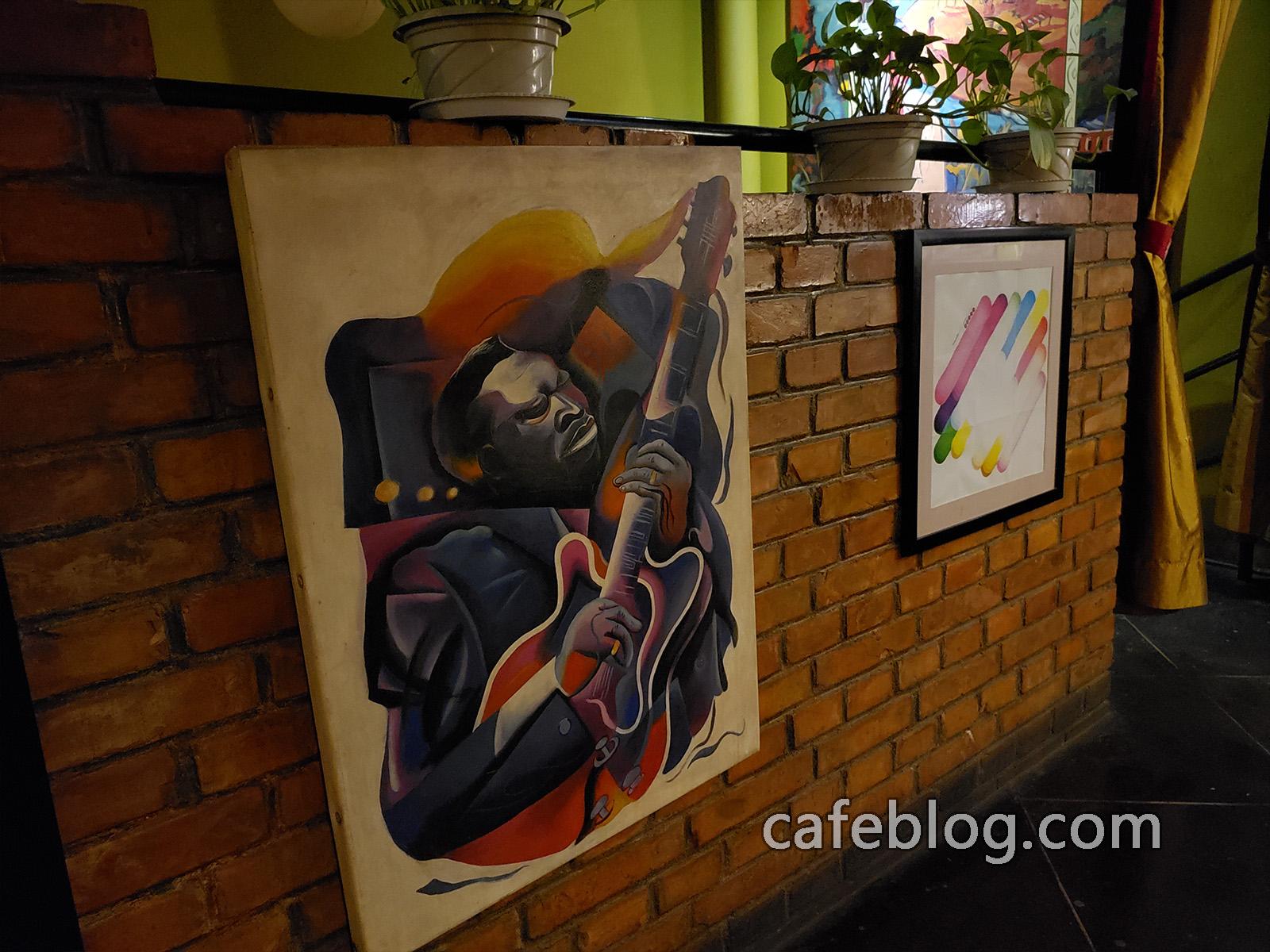 玛雅咖啡馆 Maya Cafe 二楼的壁画。