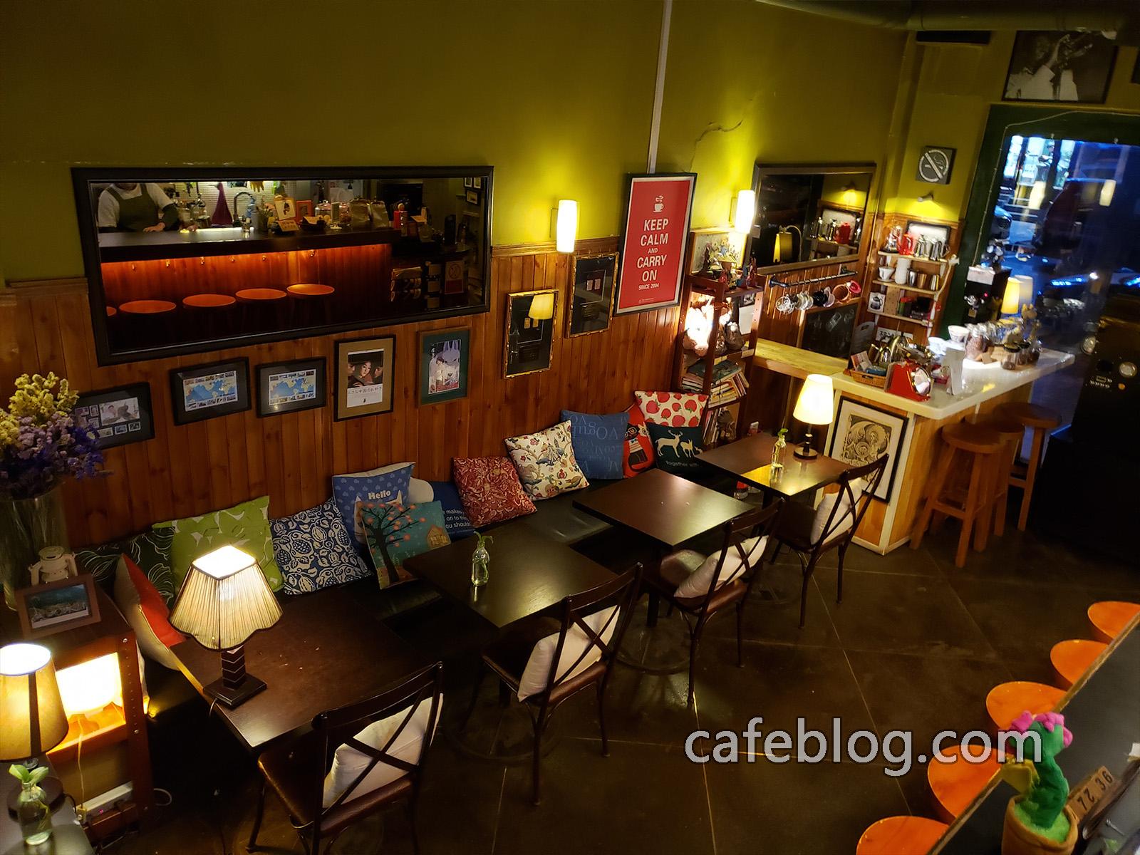 玛雅咖啡馆 Maya Cafe 一楼