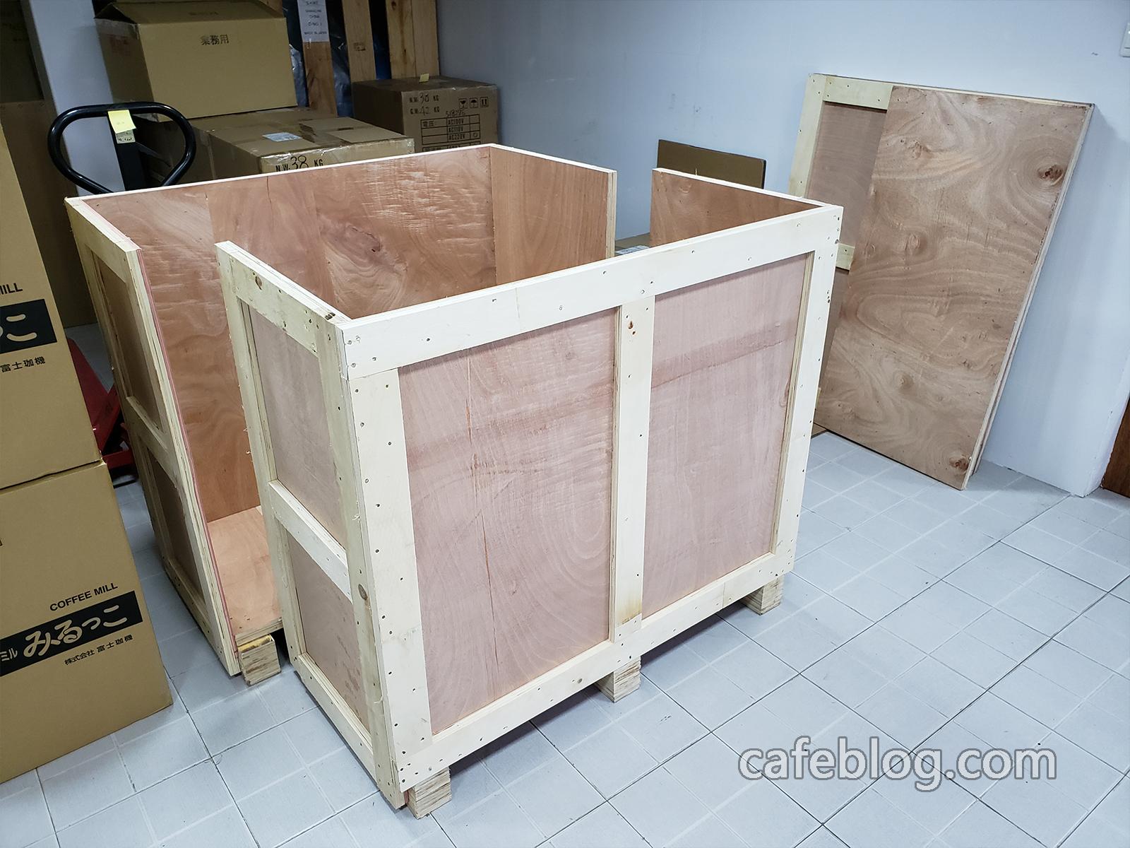R-101(1公斤)的烘焙机的木箱也做好了。
